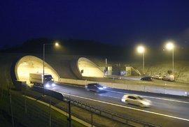Poslední úsek dálnice D8 Lovosice – Řehlovice se v podvečer 17. prosince otevřel pro běžnou dopravu.