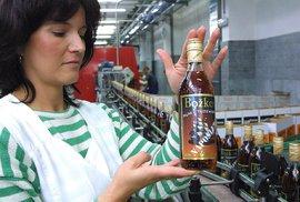 Průzkum: Čechům nejvíc chutná rum a tuzemák