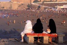 Ach ti antiislamisté! Muslimské Maroko zakázalo burky