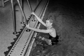 JFK: Prezident USA, jehož životní příběh začal v harvardském bazénu