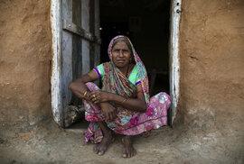 Seta Nanoma (53) měla dvě děti v nemanželském poměru. Obě dcery následovali její příklad a žijí podle tradice Nata Pratha.