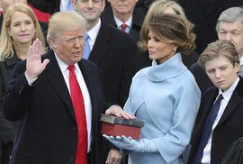 Donald Trump se stal 45. prezidentem USA. Inauguraci komentoval politolog Petr Sokol
