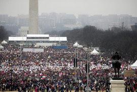 Women's March ve Washingtonu se změnil v protest proti Trumpovi