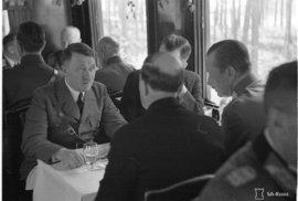 Unikátní nahrávka: Poslechněte si, jak zněl Hitler při běžném hovoru