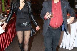 Milan Šteindler si našel k sobě mladou přítelkyni.