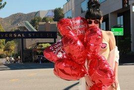 Nejbizarnější zvyky na Valentýna: V Saúdské Arábii je zakázán, v Japonsku ženy dávají čokoládu mužům