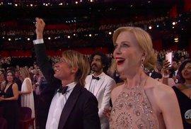 Šokovaná Nicole Kidman v hledišti po vyhlášení Moonlightu