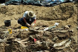 Masový hrob v Srebrenici ukrýval tisíce těl