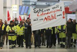 Stávka na berlínských letištích potrvá až do středy. Lety mezi Berlínem a Prahou jsou zrušeny