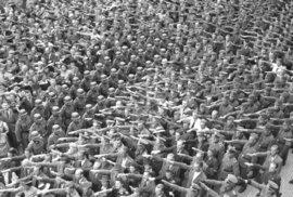 Oslavy vstupu Itálie do války v Praze v roce 1940.