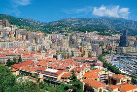 Hranice Monaka leží tam, kde končí hustá zástavba.