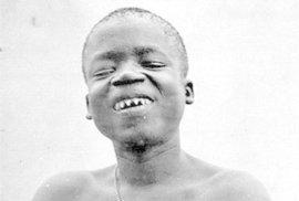 40 let po zrušení otroctví, se Ota Benga objevil v kleci zoo v New Yorku.