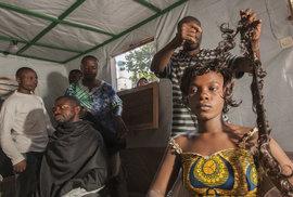Svět Lenky Klicperové: Už jste byli u kadeřníka v Kongu?