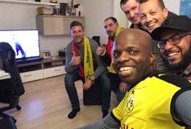 Fanoušci Dortmundu vzali domů diváky z Monaka, kteří dorazili na odložené čtvrtfinále Ligy mistrů