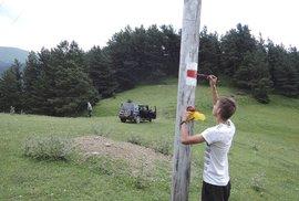 Značení turistických tras v Thušsku českými dobrovolníky