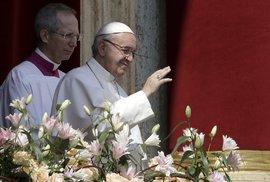 Papež František zneužil památky holocaustu