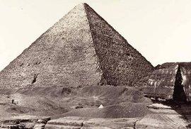 Unikátní fotografie: Jak vypadaly starověké památky Egypta v 19. století?