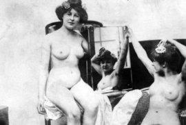 Ukázka z fotopublikace Nevěstince a nevěstky.