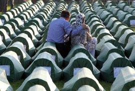 Smutné vzpomínky na masakr v Srebrenici: Identifikace dalších obětí a jejich pohřeb