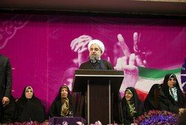 Írán se chce dál otevírat Západu. Reformista Rouhání se znovu stane prezidentem