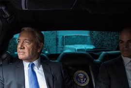 Další trolení Trumpa: Obamův fotograf dělá promo House of Cards