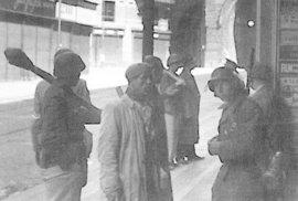 Vlasovci v boji za Prahu. Série unikátních snímků z knihy Pavla Žáčka
