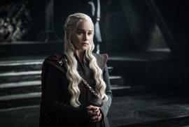 Sedmá řada Hry o trůny: První epizoda předvedla rekordní počet výkalů, zpěváka Eda…