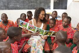 Asante Kenya zorganizovalo sbírku anglických knížek a do Keni se tak dostal i Krteček.