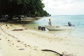 Kokosové ostrovy (též Keelingovy ostrovy) tvoří dva atoly a 27 korálových ostrovů.