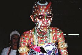 Kandomble: Náboženský rituál brazilských černých otroků, při kterém se dotýkají věčnosti