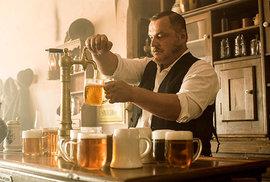 """Smíchov vždycky drží spolu: Pivovar Staropramen upevňuje pouto se čtvrtí, která """"bolí, ale rozdá se"""""""