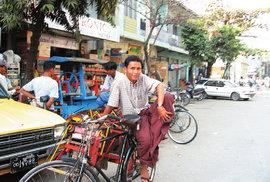 Zaprášený klenot jménem Mandaláj. Druhé největší město Myanmaru je středem buddhismu v …