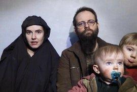 Unesená rodina je po pěti letech na svobodě. V zajetí se páru narodily tři děti
