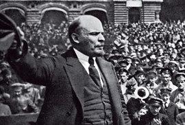 Před 100 lety začala Velká říjnová socialistická revoluce