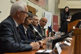 Setkání toreadorů na právnické fakultě aneb Jaká byla první prezidentská debata