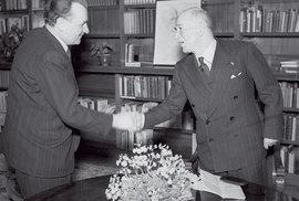 I Prezident Beneš v únoru 1948 na Pražském hradě s komunistickým vůdcem Gottwaldem