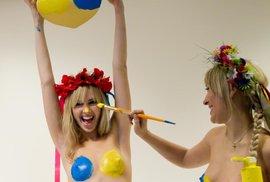 Ukrajinské studentky z hnutí Femen slaví Valentýna