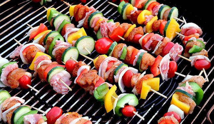 Zeleninu kombinujte s masem, avšak nikdy ji před grilováním nesolte a nepepřete.