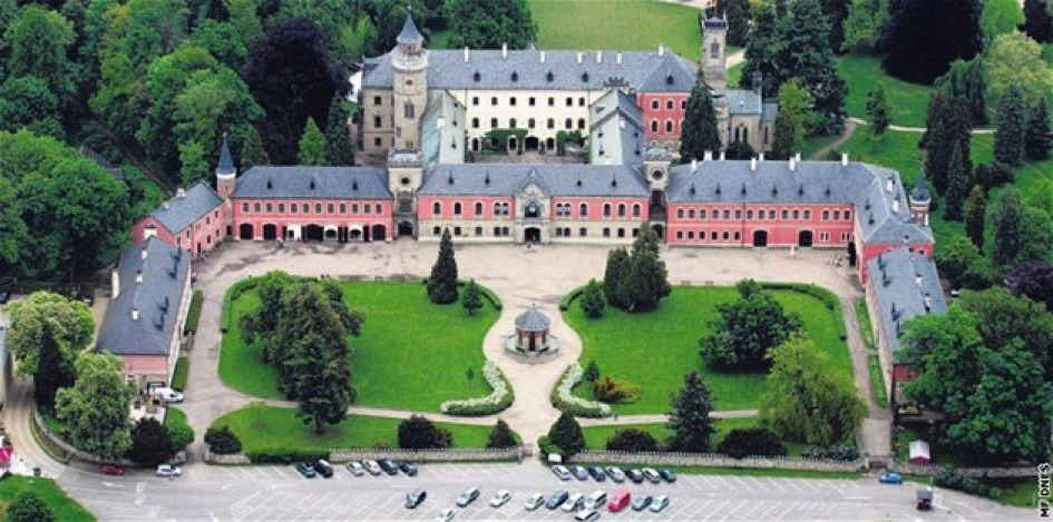 Zámek Sychrov – obec Sychrov, okres Liberec