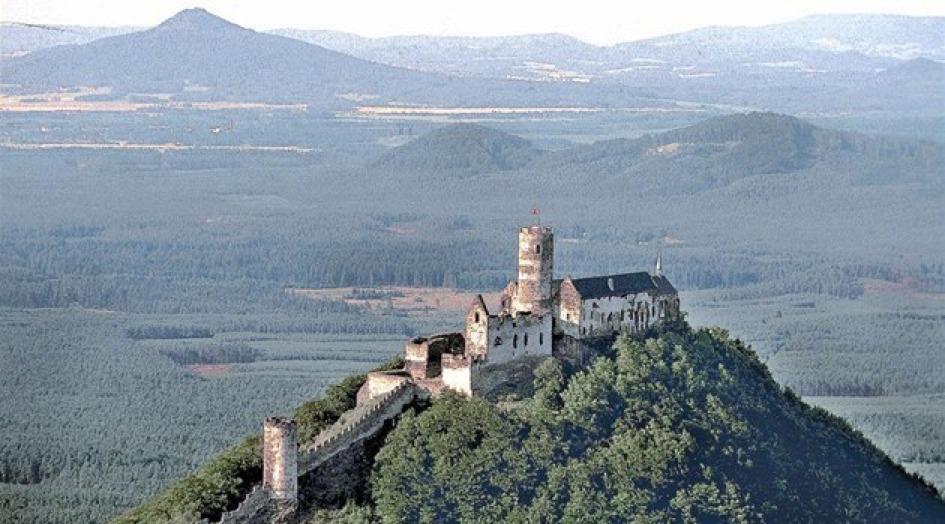 Hrad Bezděz – obec Bezděz, okres Česká Lípa
