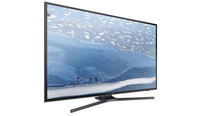 Samsung UE43KU6072: dostupná metrová televize s DVB-T2 tunerem.
