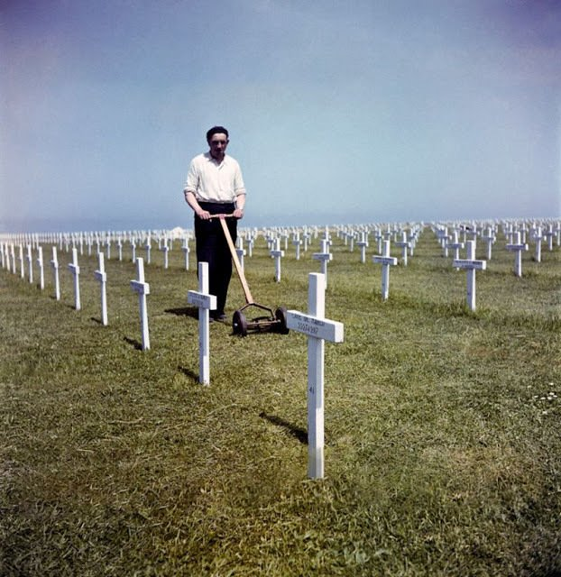 Válka sice v květnu roku 1945 skončila, ale pozůstatky Dne D ve Francii zůstaly.