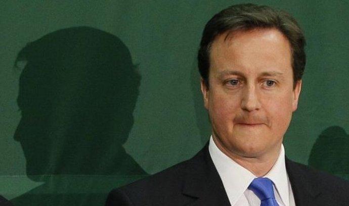 David Cameron podle svých slov převezme plnou odpovědnost za to, že s Coulsonem spolupracoval.