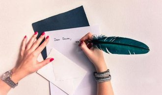 Díky psaní rukou budete úspěšnější a i odpočatější. Nechte počítač spát