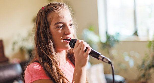 Zlatý oříšek: Adéla zpívala i bez not