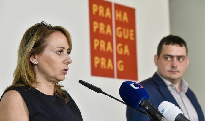 Adriana Krnáčová a Petr Dolínek