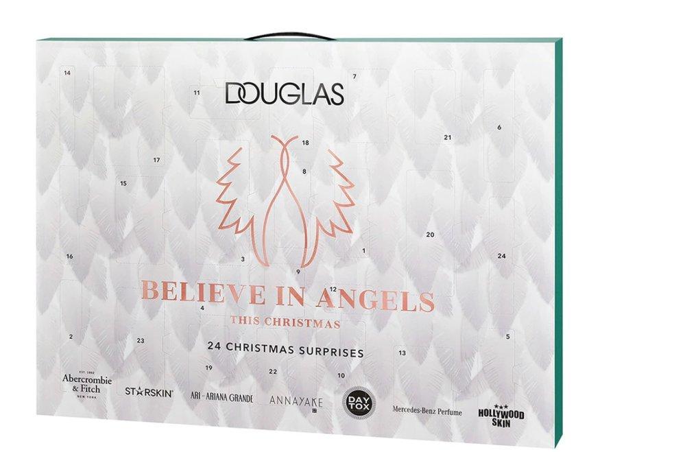 Adventní kalendář s maskou na obličej, tělových mlékem, pleťovým krémem a dalším Believe in Angels, Douglas, k dostání v síti parfumerií Douglas, 899 Kč