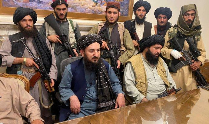 Bojovníci Tálibánu obsadili prezidentský palác v Kábulu