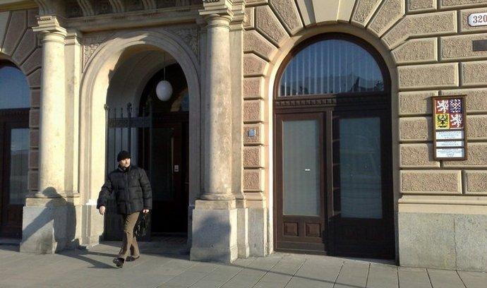 Akreditační komise prodloužila akreditaci plzeňské právnické fakultě na jeden rok