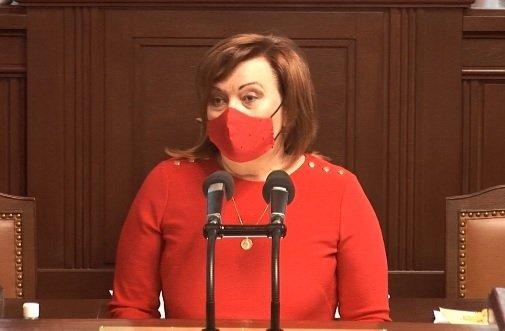 Vicepremiérka Alena Schillerová ve Sněmovně (18.2.2021)